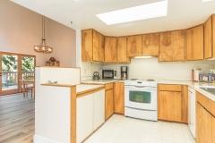 2778 NE Alderwood Ln Kingston-print-016-1-Kitchen-4000x2667-300dpi_LRE