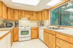 2778 NE Alderwood Ln Kingston-print-018-23-Kitchen-4000x2667-300dpi_LRE